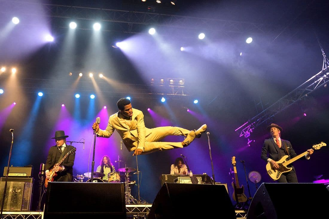 Vintage Trouble Getting lots of air at Blues Fest 2017 Orlando Sydney Vintage Trouble
